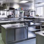 و فضاها در آشپزخانه صنعتی 150x150 - همه چیز درباره آشپزخانه صنعتی